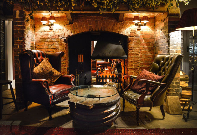 3-THE-OLD-BAR-GRAND-FIRE-PLACE-1